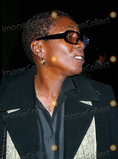 Afeni Shakur Photo - Tupac Resurrection - World Premiere Cinerama Dome - Arclight Theatre Hollywood CA 11042003 Photo by Clinton H Wallace  Ipol  Globe Photos Inc 2003 Afeni Shakur - Tupacs Mother