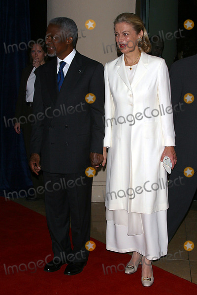 Nane Annan Photo - Sd120303 Unicef Goddwill Gala  50 Years of Celebrity Advocacy Beverly Hilton Hotelbeverly Hillscalif(12032003) Photo by Milan RybaGlobe Photosinc 2003 United Nation Secretary - General Kofi Annan and Mrs Nane Annan