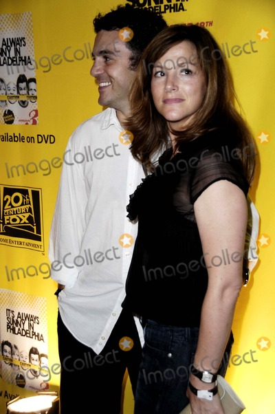 Jennifer Savage Photo - ITS ALWAYS IN SUNNY PHILADELPHIA SEASON 3 DVD RELEASE PARTYSEASON 4 PREMIERE PARTY HOSTED BY FX TWENTIETH CENTURY FOX HOME ENTERTAINMENT HELD AT STKCOCO DE VILLE IN WEST HOLLYWOOD CALIFORNIAFRED SAVAGE AND WIFE JENNIFER SAVAGEPHOTO BY LEMONDE GOODLOE-GLOBE PHOTOS INC  2008K59830LG