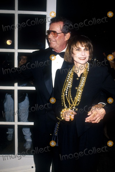 James Garner Photo - James Garner_wife Lois Photo by Michael Ferguson Globe Photosinc