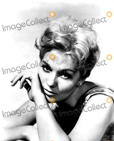 Kim Novak Photo - Kim Novak Supplied by Globe Photos Inc Kimnovakretro