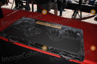 The Smashing Pumpkins Photo - Billy Corgan and Jimmy Chamberlin Handprints During the Induction Ceremony For the Smashing Pumpkins Into Hollywoods Rockwalk on April 23 2008 in Los Angeles Photo by Michael Germana-Globe Photos