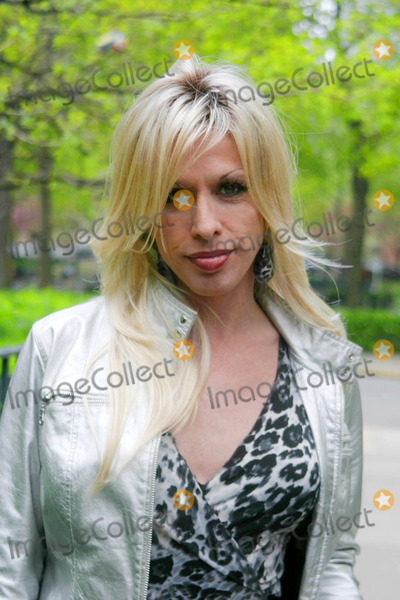 Alexis Arquette Photo - Alexis Arquette 6th Annual Tribeca Film Festival - shes My Brother  New York City 04-26-2007 Photo by Paul Schmulbach-Globe Photos Inc