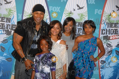 Najee Photo - Ll Cool J Nina Smith Simone Johnson Najee Smith Italia Smith and Samaria Smith During the 2010 Teen Choice Awards Press Room Held at the Gibson Amphitheatre on August 8 2010 in Los Angeles Photo Michael Germana - Globe Photos Inc 2010