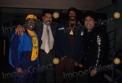 Little Richard Photo - Cedric the Entertainer with Er Kyles  Steve Harvey and Snoop Doggy Dog and Little Richard K7771lr the Steve Harvey Show 1997 Aka Cedric Kyles Photo by Lisa Rose-Globe Photos Inc