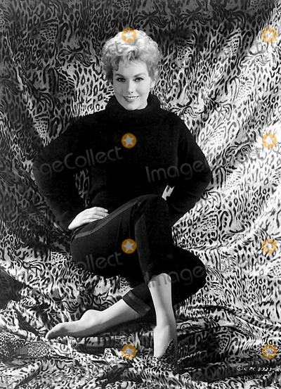 Kim Novak Photo - Kim Novak Photo BysmpGlobe Photos Inc 1960s