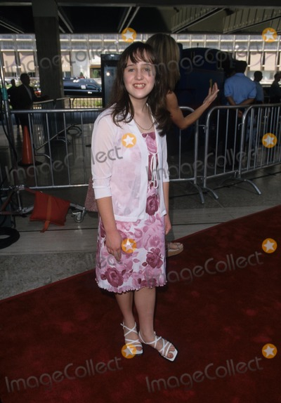 Mara Wilson Photo - Mara Wilson Thomas and the Magic Railroad Premiere at Loews Cineplex in Los Angeles 2000 K19361fb Photo Byfitzroy Barrett-Globe Photos Inc