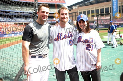 Carly Smithson Photo - American Idol Winner David Cook Takes Batting Practice at Shea Stadium Queens New York 08-07-2008 David Wright David Cook and Carly Smithson Photo by Barry Talesnick-ipol-Globe Photos Inc