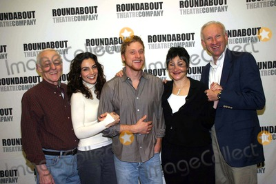 Alan Tudyk Photo - I11529BTA PHOTO OP WITH THE CAST OF PRELUDE TO A KISS IN THEIR NEW YORK REHEARSAL HALL AT THE ROUNDABOUT REHEARSAL STUDIO NEW YORK CITY 01-19-2007PHOTO BY BARRY TALESNICK-IPOL-GLOBE PHOTOS 2007JOHN MAHONEY ANNIE PARISSE ALAN TUDYK ROBIN BARTLETT  DANIEL SULLIVAN (DIRECTOR)