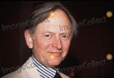 Tom Wolfe Photo - Tom Wolfe 1990 F9919 Photo by Mitchell Levy-Globe Photos Inc