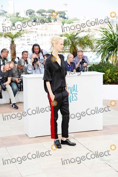 Aymeline Valade Photo - Aymeline Valade Saint-laurent Photo Call Cannes Film Festival 2014 Cannes France May 17 2014 Roger Harvey