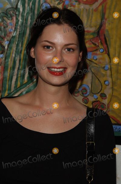 Carmen Llywellyn Photo -  Mary Steenburgen Presents the Works of Artist America LA CA 02212002 Carmen Llywellyn Photo by Amy GravesGlobe Photosinc