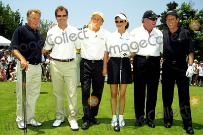 James Garner Photo - MARTIN SHEEN GREG KINNEAR CATHERINE ZETA-JONES AND HUSBAND MICHAEL DOUGLAS JAMES GARNER  JAMES WOODSCELEBRITY HOLE-IN-ONE GOLF TOURNAMENTPRESENTED BY LEXUS  BENEFITTING THE MOTION PICTURE AND TELEVISION FUNDAT THE OJAI VALLEY INN AND SPA OJAI CAJUNE 30 2002PHOTO BY NINA PROMMERGLOBE PHOTOS INC2002 K25455NP