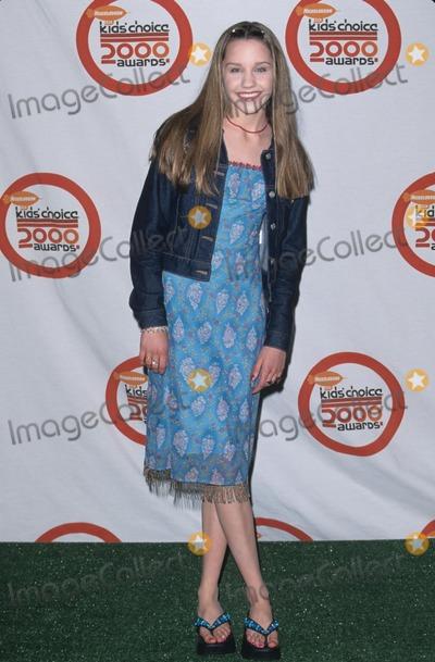 Amanda Bynes Photo - Amanda Bynes the 13th Kids Choice Awards at Hollywood Bowl  Los Angeles 2000 K18553fb Photo by Fitzroy Barrett-Globe Photos Inc