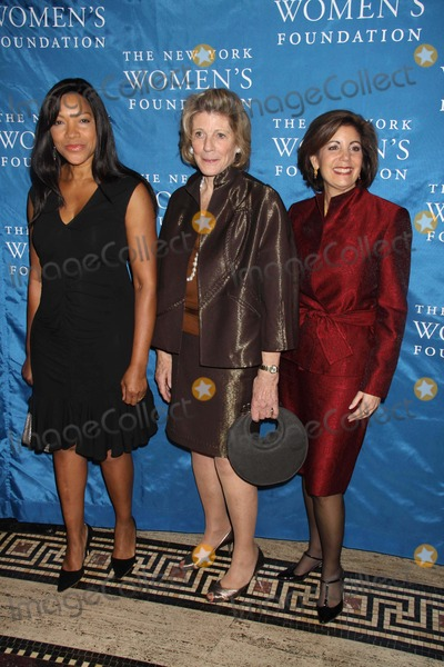 Agnes Gund Photo - Grace Hightower Agnes Gund Carolyn Buck Luce at NY Womens Foundations Stepping Out and Stepping Upannual Gala at Gotham Hall New York City 12-01-2010 Photo by John BarrettGlobe Photos Inc2010