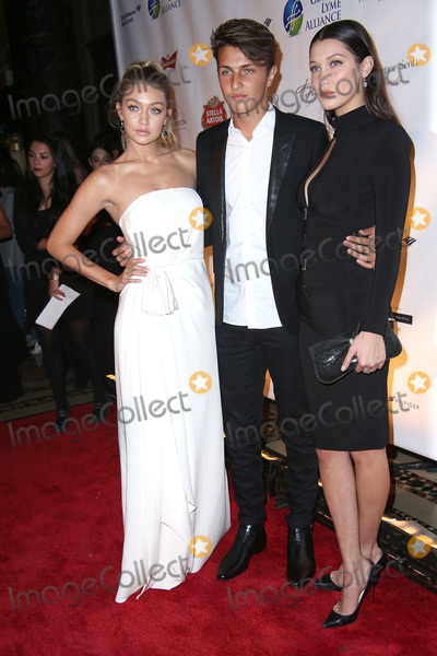 Anwar Hadid Photo - Gigi Hadid Anwar Hadid and Bella Hadid Attend the Global Lyme Alliance Uniting For a Lyme Free World Gala Cipriani 42nd Street NYC October 8 2015 Photos by Sonia Moskowitz