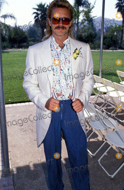 John Schneider Photo - John Schneider 09-1988 Photo by Michelson-Globe Photos