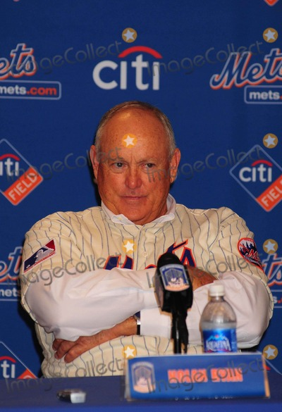 Nolan Ryan Photo - The 1969 Mets Help Support Habitat For the Humanitiesnyc at Citifield Stadium Queens NY 08-22-2009 Photo by Ken Babolocsay-ipol-Globe Photos Inc 2009 Nolan Ryan