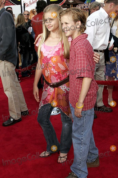 Cayden Boyd Photo - Jenna Boyd and Her Brother Cayden Boyd - the Perfect Man - World Premiere- Universal Studios CA - 06-13-2005 - Photo by Nina PrommerGlobe Photos Inc2005 -