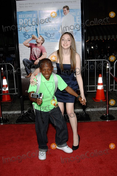 ALLIE STAMLER Photo - Bobbe J Thompson and Allie Stamler During the Premiere of the New Movie From Universal Pictures Role Models Held at the Mann Village Theatre on October 22 2008 in Los Angeles Photo Michael Germana - Globe Photos