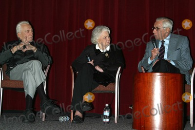 Jan Sterling Photo - K26849MR  SCREENING OF BILLY WILDERS CLASSIC 1951 FILM THE BIG CARNIVAL FOLLOWED BY A PANEL DISCUSSION ABOUT THE MAKING OF THE FILM WITH KIRK DOUGLAS AND JAN STERLINGDGA LOS ANGELES CA OCT 22 2002PHOTO BY MILAN RYBAGLOBE PHOTOS INC  2002 KIRK DOUGLAS AND JAN STERLING AND WALTER MIRISCH (PRODUCER)