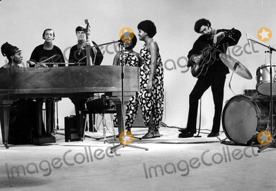 Nina Simone Photo - Nina Simone Photo by Globe Photos Inc