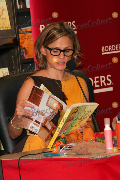 Amy Sedaris Photo - I14093JZIN-STORE APPEARANCE BY AMY SEDARIS(STRANGERS WITH CANDY) SIGNING I LIKE YOU AN ENTERTAINMENT GUIDE FOR PUTTING ON PARTIES FOR ALL OCCASIONS AT BORDERS BOOKS  MUSIC-TIME WARNER-NEW YORK CITY 12-16-2008PHOTO BY JOHN B ZISSEL-IPOL-GLOBE PHOTOS INC2008AMY SEDARIS