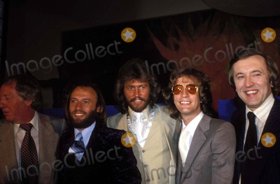 Bee Gees Photo - Bee Gees Photo by Hy SimonGlobe Photos Inc Mauricegibbretro