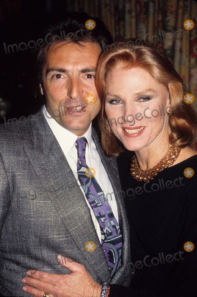 Armand Assante Photo - Armand Assante Mariette Hartley A4477 Photo by Adam Scull-Globe Photos Inc