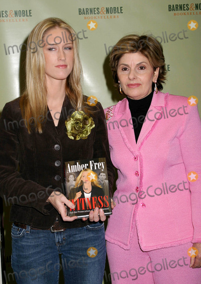 AMBER FREY Photo - Amber Frey Signs Copies of Her Book Witness For the Prosecution at Barnes and Noble  New York City 01-10-2005 Photo by Paul Schmulbach-Globe Photosinc Amber Frey and Lawyer Gloria Allred