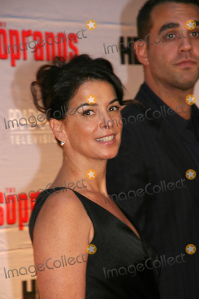 Annabella Sciorra Photo - Annabella Sciorra Screening of the First Two Episodes of the Final Season of the Sopranos Radio City Music Hall  New York City 03-27-2007 Photo by Barry Talesnick-ipol-Globe Photos Inc