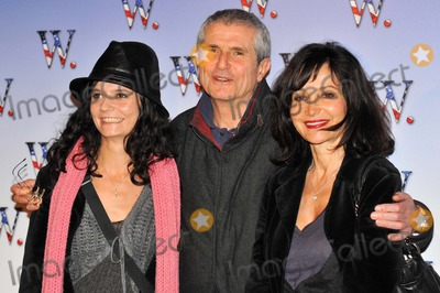 Claude Lelouche Photo - Claude Lelouch Salome Evelyne Bouix K60148 Premiere of the Film W Improbable President at Gaumont Marignan  Paris 10-21-2008 Photo by Fay Alexandre-pix Planete-Globe Photos Inc