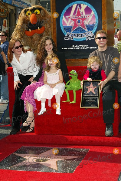 Kermit the Frog Photo - Kermit the Frog and the Henson Family - Kermit the Frog Honored with a Star on the Hollywood Walk of Fame in Hollywood CA - Photo by Fitzroy Barrett  Globe Photos Inc - 11-14-2002 - K27138fb (D)