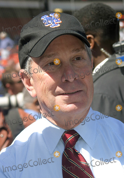 Mayor Bloomberg Photo - Home Opener For the NY Mets Vs the Houston Astro at Shea Stadium in Queens New York City 4-11-2005 Photo Bybarry Talesnick-ipol-Globe Photosinc 2005 Mayor Michael Bloomberg