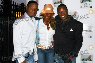 Andre Harrell Photo - Medal of Honor Rag Starring Veteran Rapperactor Heavy D- Special Vip Performance (Arrivals) Egyptian Arena Theatre Hollywood CA 06-27-2005 Photo ClintonhwallaceipolGlobe Photos Inc Kendu Isaacs Mary J Blige and Andre Harrell