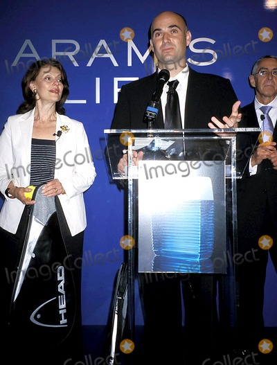 Aramis Photo - Evelyn Lauder and Andre Agassi K31774rhart Tennis Superstar Andre Agassi Launches New Mens Fragrance-aramis Life at Christies in New York City 7162003 Photo Byrose HartmanGlobe Photos Inc