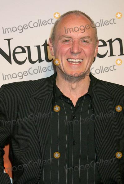 Alan Dale Photo - the Oc Season Finale Party at Falcon Hollywood California 04202004 Photo by Ed GelleregiGlobe Photos Inc 2004 Alan Dale