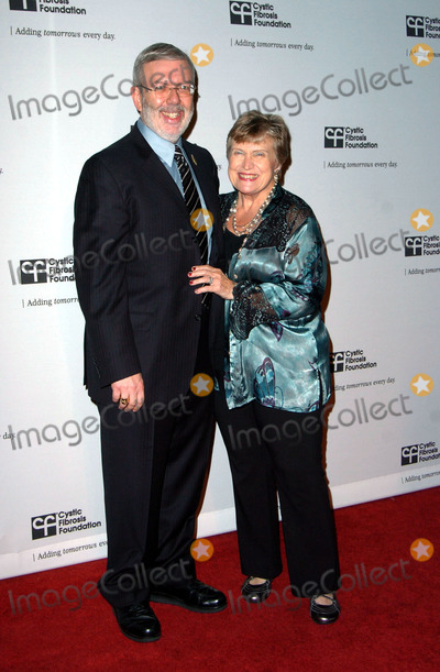 Alice Maltin Photo - Leonard Maltin and Alice Maltin during the Cystic Fibrosis Foundations Los Angeles Chapter inaugural ALFRED HITCHCOCK LEGACY TRIBUTE GALA  held at Globe Theater at Universal Studios on November 8 2009 in Los AngelesPhoto Jenny Bierlich - Globe Photos Inc 2009K63764JB