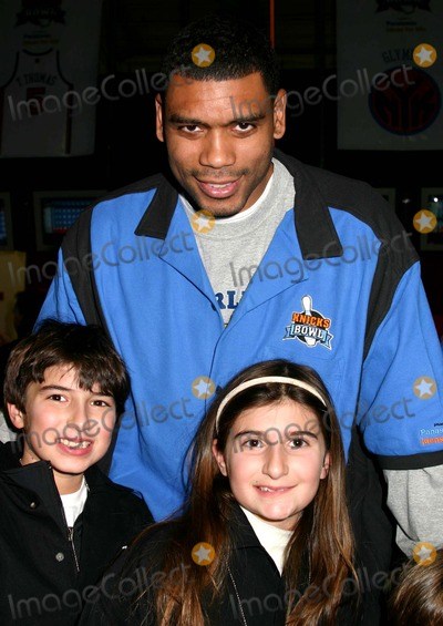 Allan Houston Photo - Knicks Bowl 6 Celebrity Bowling at Chelsea Piers New York City 03-10-2005 Photo by Mitchell Levy-rangefinder-Globe Photosinc Allan Houston