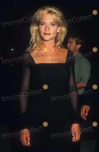 Amy Locane Photo - Amy Locane 09-11-1992  16473 Photo by Phil Roach-ipol-Globe Photos Inc