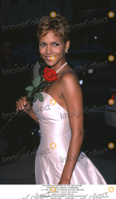 Dorothy Dandridge Photo - Los Angeles Premiere of the Hbo Picture Introducing Dorothy Dandridge at the Academy of Motion Picture Theater Halle Berry (Star of the Movie) (Gown by Amsale Aberra) Photo by Fitzroy BarrettGlobe Photos Inc Aug91999