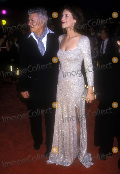 Jamie Lee Photo - Tony Curtis and Jamie Lee Curtis at the American Comedy Awards 0226995 Photo by Fitzroy BarrettGlobe Photos Inc Tonycurtisretro