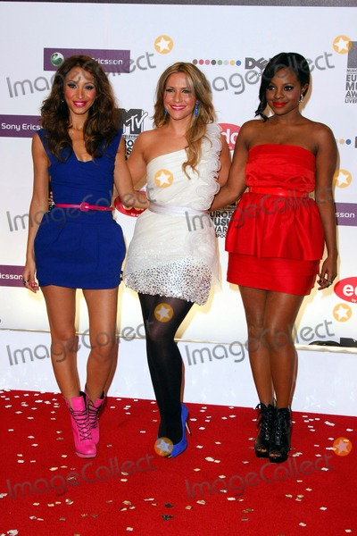 Amelle Berrabah Photo - (l-r) Amelle Berrabah Heidi Range and Keisha Buchanan of Sugababes Arriving at the 15th Mtv Europe Music Awards at Echo Arena in Liverpool Great Britain on November 6th 2008photo by Alec Michael-Globe Photos