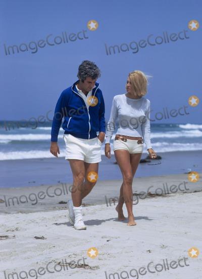 Burt Bacharach Photo - Burt Bacharach with Angie Dickinson 1971 W7791a Photo by Don Ornitz-Globe Photos Inc