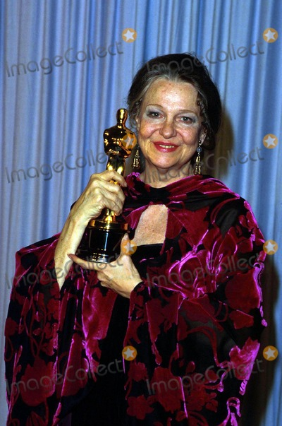 Geraldine Page Photo - Academy Awardsoscars 13995 1986 Geraldine Page Photo by James ColburnipolGlobe Photosinc