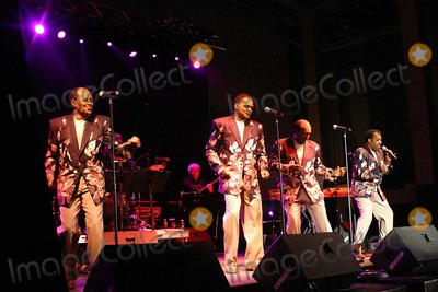 Anthony and the Imperials Photo - Brooklyn Paramount Rock  Roll Show Paramount Theatre Brooklyn NY 04-01-2007 Photo by Mark Kasner-Globe Photos 2007 Little Anthony and the Imperials