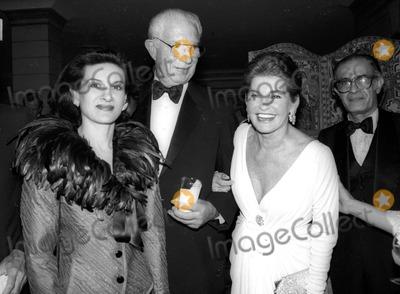 Paloma Picasso Photo - Paloma Picasso and Leona Helmsley Photo Byrose Hartman-Globe Photos Inc