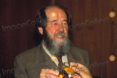 Alexander Solzhenitsyn Photo - Alexander Solzhenitsyn 1993 L6636 Photo by Patrick Gely-imapress-Globe Photos Inc