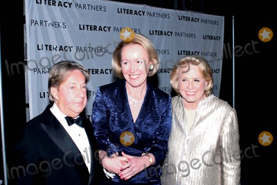 Arnold Scaasi Photo - 18th Annual Literacy Partners Gala an Evening of Reading Honoring Verizon at Lincoln Center New York City 05052003 Photo Anthony Moore Globe Photos Inc 2003 Arnold Scaasi Liz Smith and Libby Pataki