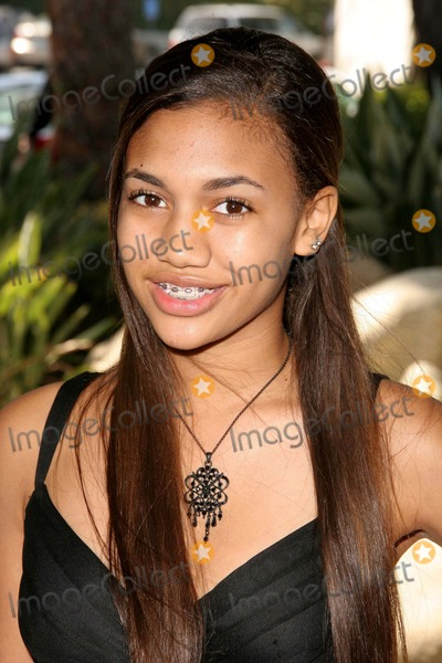 Paige Hurd Photo - Diamonds in the Raw Award Luncheon Honoring Hollywood Stuntwomen at the Mountaingate Country Club in Los Angeles CA 10-19-2008 Image Paige Hurd Photo Scott Kirkland  Globe Photos